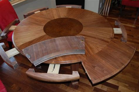 Woodworking-Plans-Round-Expandable-Kitchen-Table