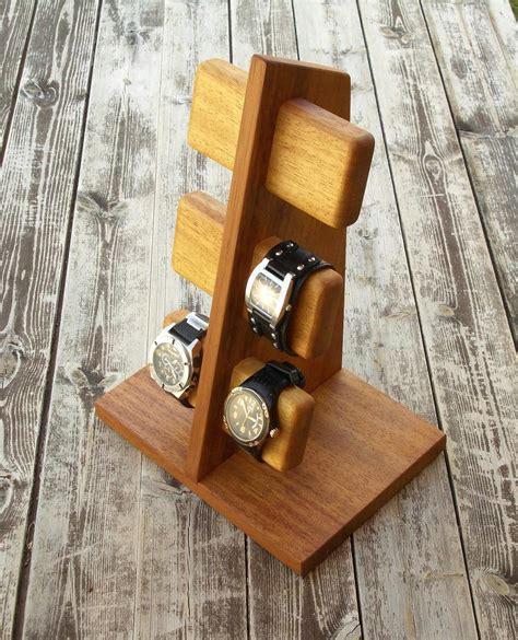 Woodworking-Plans-Wristwatch-Holder