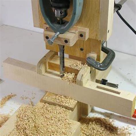 Woodworking-Square-Hole