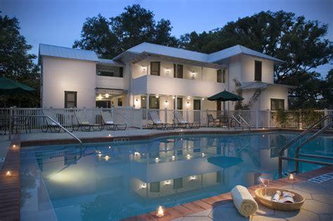 Apartments For Rent Tampa Math Wallpaper Golden Find Free HD for Desktop [pastnedes.tk]