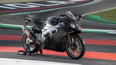 Aprilia Rsv4 Factory Wallpaper HD Wallpapers Download free images and photos [musssic.tk]