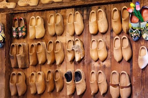 Are Wooden Clogs Good for Your Feet
