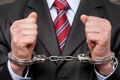 arrested not convicted background check