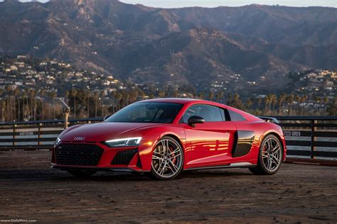 Audi R8 Pics HD Wallpapers Download free images and photos [musssic.tk]