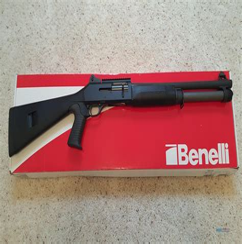 Benelli Supernova Tactical Vs M4