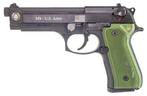 Beretta Beretta M9.
