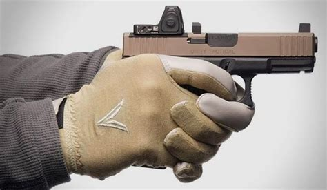 Best Gloves For Handgun Shooting