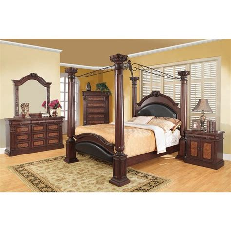 Broadwater Canopy Bed