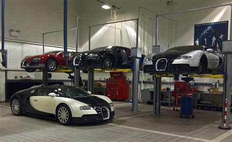 Bugatti In Garage Make Your Own Beautiful  HD Wallpapers, Images Over 1000+ [ralydesign.ml]