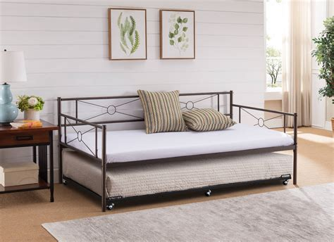 Build a daybed frame Image