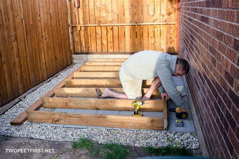 Build a shed floor Image