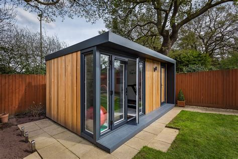 Build backyard office Image