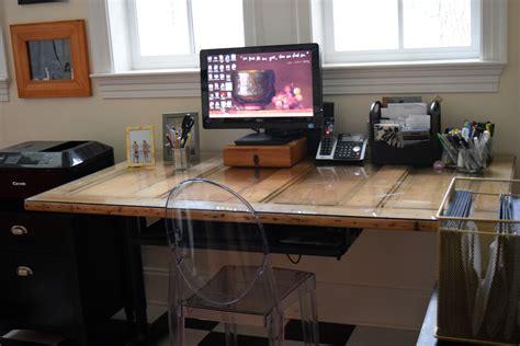 Build desk using door Image