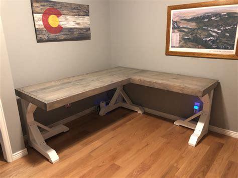 Build own corner desk Image