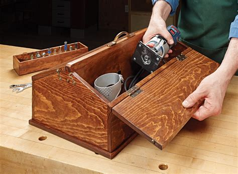 Build this classic tool chest wood toolbox project plan Image