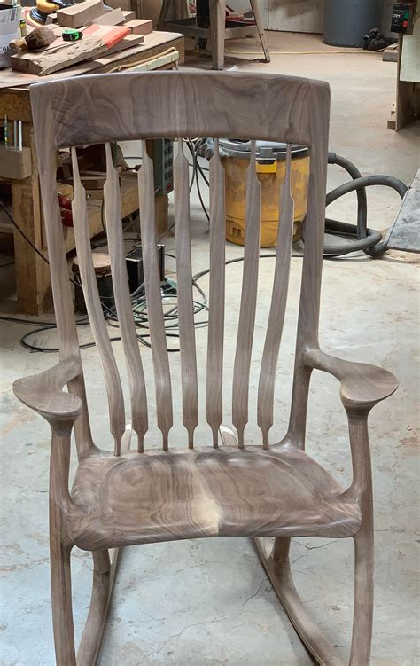 building a rocking chair.aspx Image