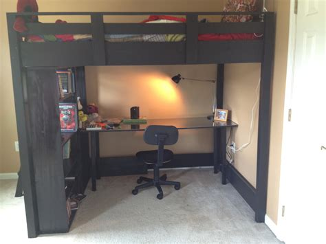 Building a full size loft bed Image