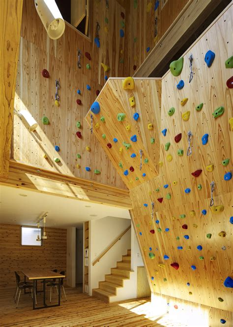 Building a home climbing wall Image