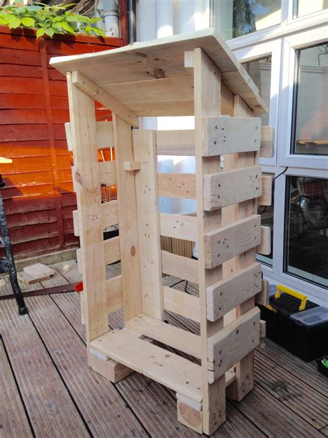 Building a log store from pallets Image