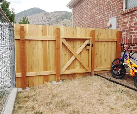 Building a wooden fence Image