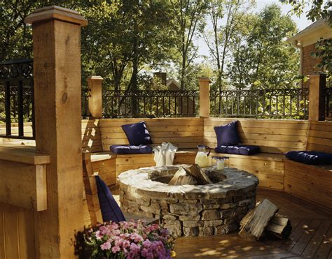 Built in seating solutions for your deck or patio Image