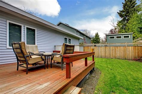 Can fence paint be used on decking Image