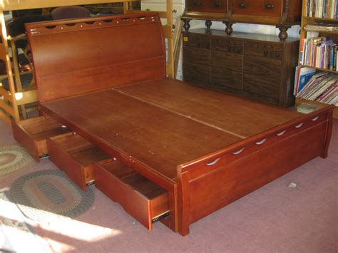 captains bed queen plans.aspx Image
