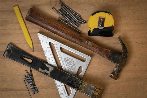 Carpenter tools wikipedia Image