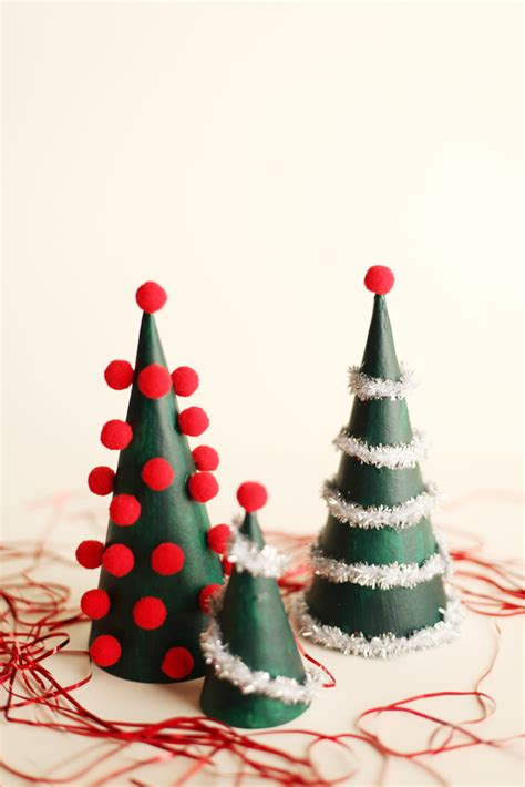 Christmas Table Decorations To Make At Home Home Decorators Catalog Best Ideas of Home Decor and Design [homedecoratorscatalog.us]