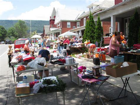 College Garage Sale Make Your Own Beautiful  HD Wallpapers, Images Over 1000+ [ralydesign.ml]
