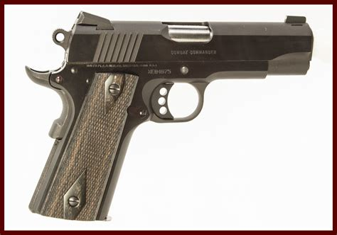 Colt Commander 1911 Carry