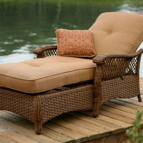 Comfortable patio lounge chairs Image