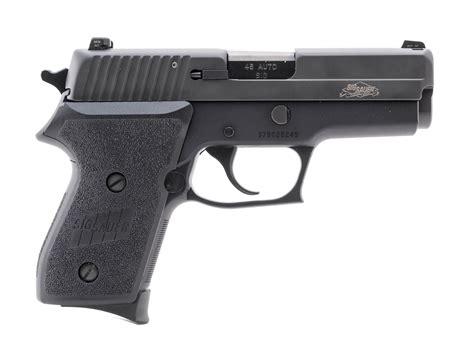 Sig-Sauer Compact Sig Sauer P220.