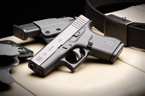 Concealable 1911 Subcompact Or Glock 43