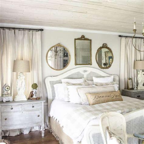 Country Bedroom Interior Designs