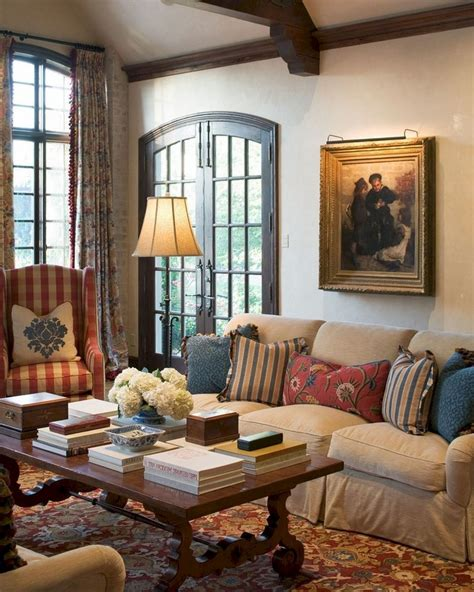 Country Living Room Wall Decor Ideas