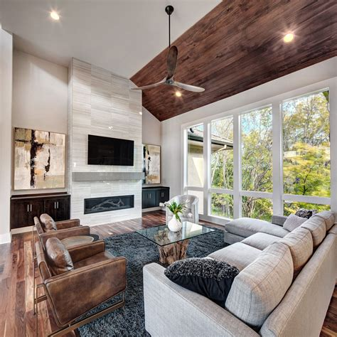 Cozy Modern Living Room With Fireplace
