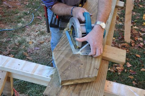 cutting stringers for deck stairs.aspx Image