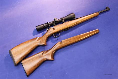 Cz 4522e Zkm Rifle With Bull Barrel 22lr Walnut Stock