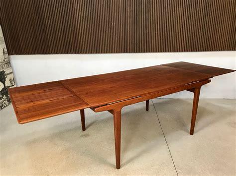 Danish table Image