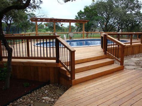 Deck design around pool Image