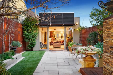 Deck design for small house Image