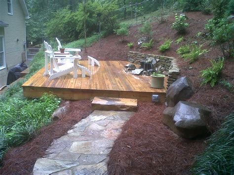 Deck design with water feature Image