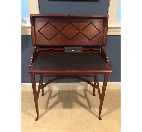 Design desk mumbai Image