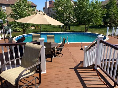Design your own pool deck Image