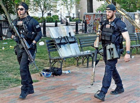 Do Secret Service Agents Carry Assault Rifles