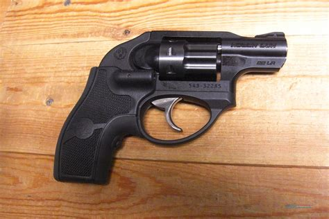 Ruger Does Teh Ruger Lcr Revolver Come With A Grip.