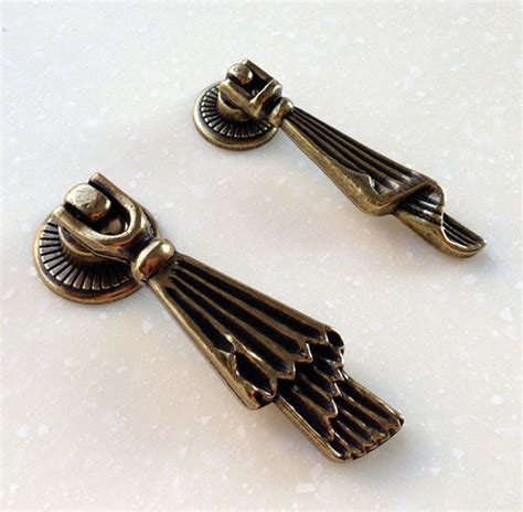 Drawer pulls and knobs antique drawer pulls and knobs Image