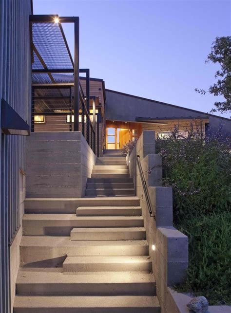 Entrance Stairs Design