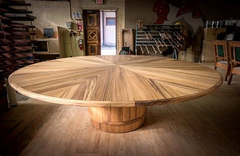 Expandable round table plans Image